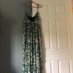 Dresses & Skirts - Green floral maxi dress